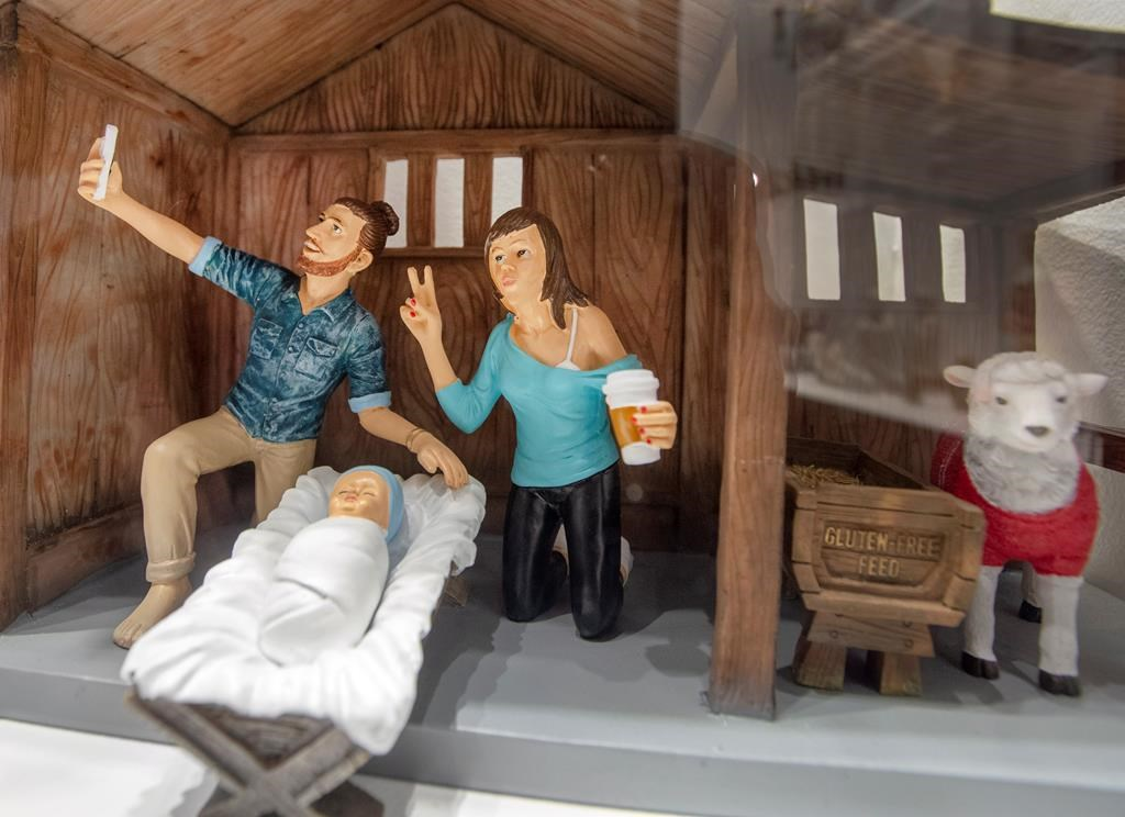 'Hipster' Nativity scene in Montreal doesn't please all ...