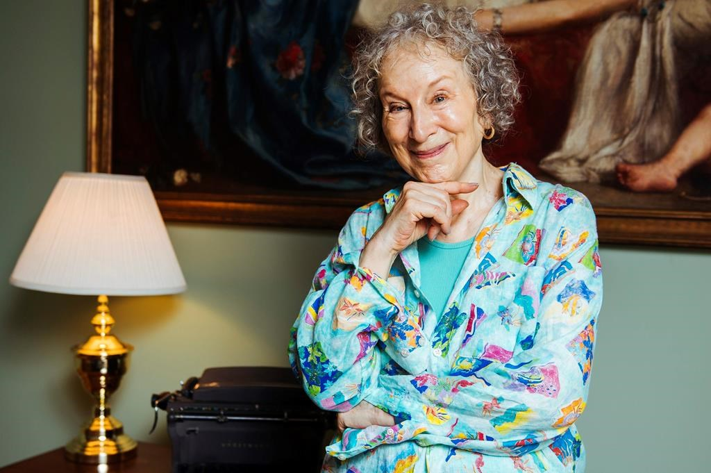 Amazon com apologizes for shipping Atwood novel early