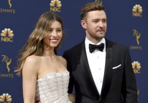 Timberlake apologizes to wife for 'strong lapse in judgment'