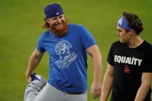 LA Dodgers' Justin Turner returns to field to celebrate World Series win despite COVID-19 diagnosis