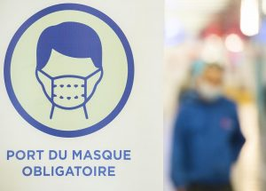More mask wearing in Quebec seniors homes as COVID-19 cases, hospitalizations rise