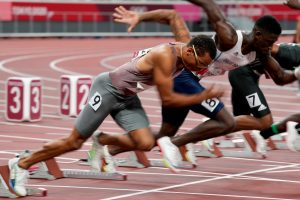 Andre De Grasse cruises into Olympic 100m semifinal with season-best time