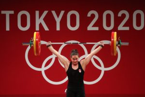 Canadian Maude Charron wins gold medal in weightlifting